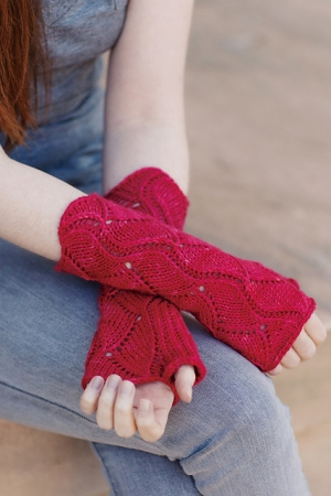 Fyberspates Scrumptious Worsted Zostera Marina Mitts Kit - Hats and Gloves