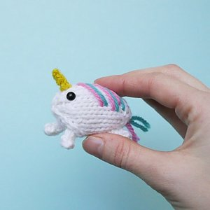 Mochimochi Land Small and Simple Knits - Small & Simple Unicorn