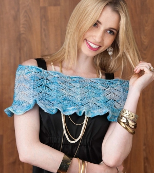 Cascade 220 Superwash Scalloped Lace Capelet Kit - Women's Accessories