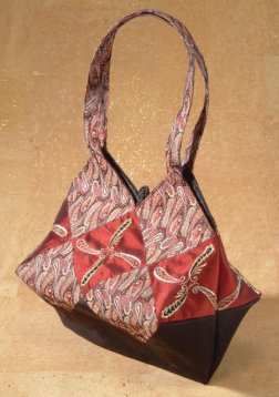 Lantern Moon Ruby Bag - Red