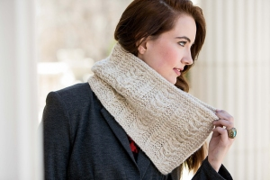 Cascade Pacific Chunky Fairbanks Cowl Kit - Scarf and Shawls