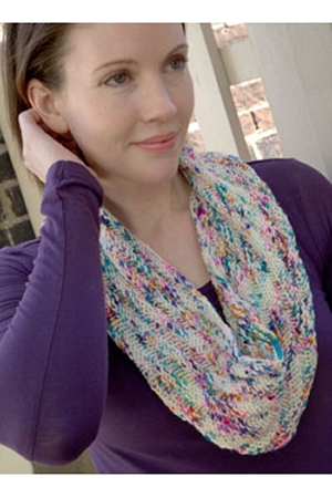 Plymouth Worsted Merino Superwash Traveling Cowl Kit - Scarf and Shawls