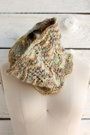 Manos Del Uruguay Wool Clasica Space-dyed Onda Cowl Kit - Scarf and Shawls