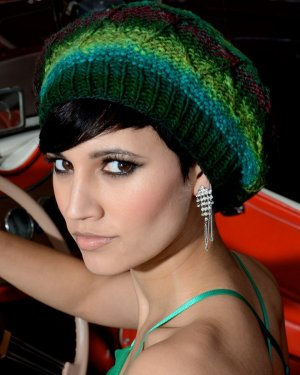Noro Kureyon Alanis Beret Kit - Hats and Gloves