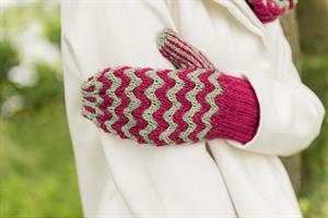 Lorna's Laces Shepherd Sport Twist Collective Hat Mitt and Cowl Set Kit - Hats and Gloves