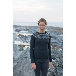 Cascade 220 Lighthouse Pullover Kit - Women's Pullovers