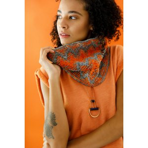Lorna's Laces Shepherd Worsted Zazie Cowl Kit - Scarf and Shawls