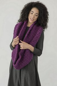 Berroco Macro Yura Cowl Kit - Women's Accessories