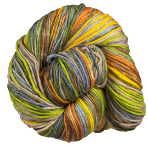 Urth Yarns Uneek DK Yarn photo
