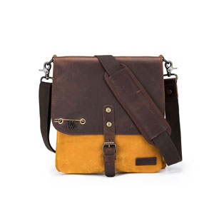 della Q Maker's Canvas Saddlebag
