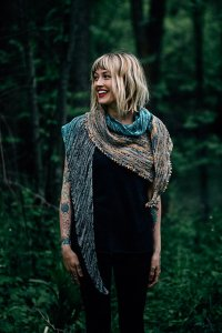 Lorna's Laces Solemate Free Your Fade Shawl Kit - Scarf and Shawls