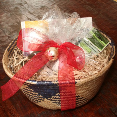 The Sock Knitting Gift Basket - Deluxe Kit - Gift, Needle and Pattern Sets